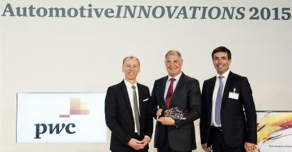 Un momento della premiazione agli Automotive Innovations Awards