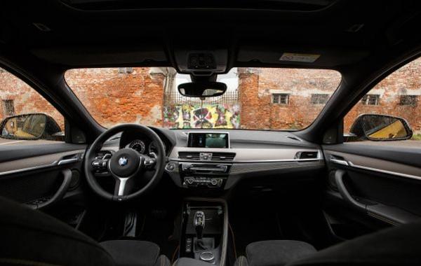 BMW-X2-cruscotto