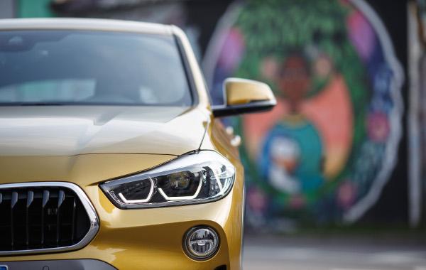 BMW-X2-gruppo-ottico
