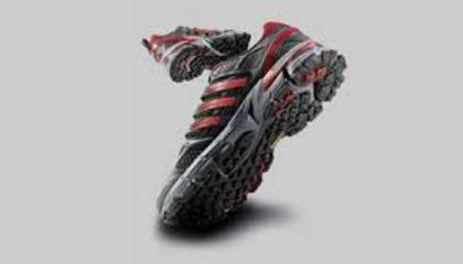 Adidas sviluppa scarpe da corsa con la mescola Continental