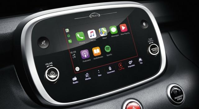 Il sistema Uconnect HD Live della Fiat 500X 2018