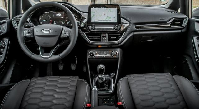 Ford Fiesta Vignale interni