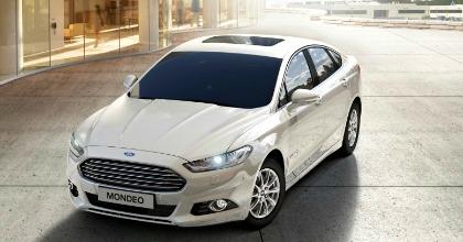 Ford Mondeo Hybrid 4 porte