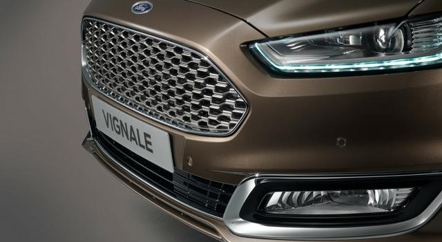 Ford Mondeo Vignale anteriore