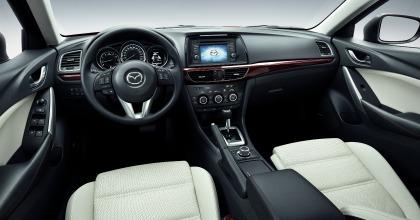 Gli interni della Mazda6