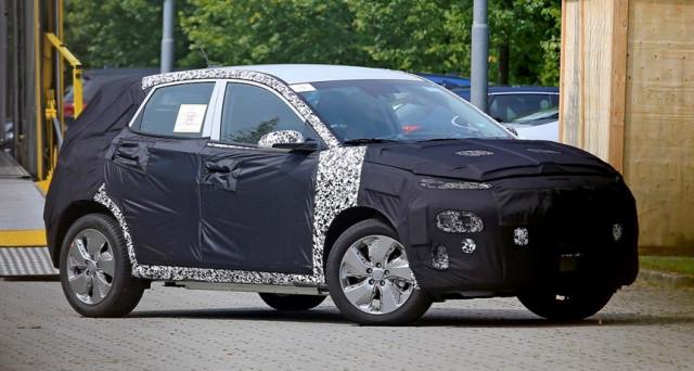 Hyundai Kona elettrica foto spia