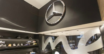 Uno scatto all'interno del Mercedes me store di Milano