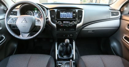 Mitsubishi L200 2016 abitacolo