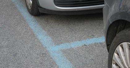 Multe strisce blu