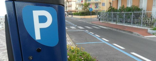 Multe strisce blu parcheggi