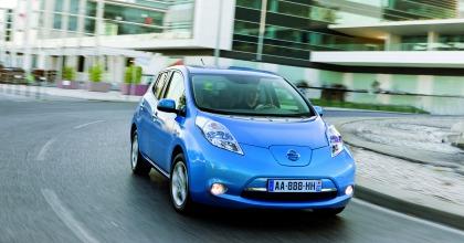 Nissan Leaf: auto elettrica