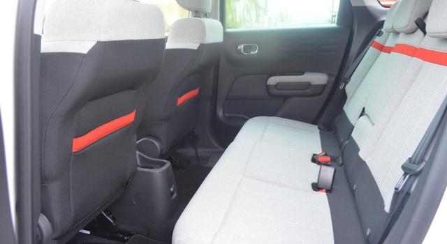 Nuova Citroën C3 Aircross divano posteriore