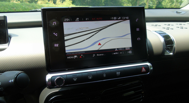 Nuova Citroen C4 Cactus display infotainment