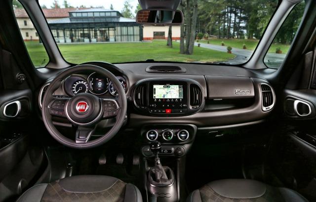 Nuova Fiat 500L abitacolo