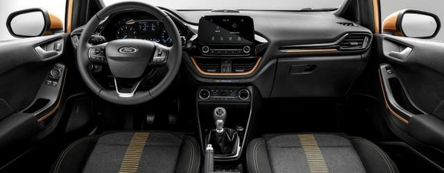 Nuova Ford Fiesta Active abitacolo