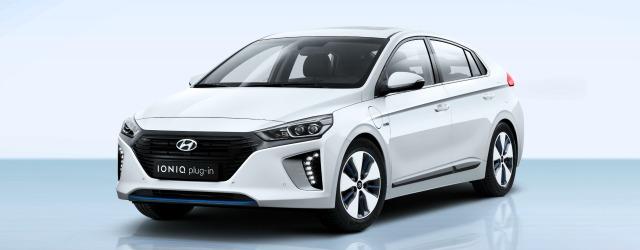 Nuova Hyundai Ioniq Plug-in Hybrid 2017 bianca