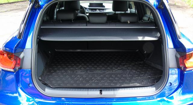 Il bagagliaio della nuova Lexus CT Hybrid