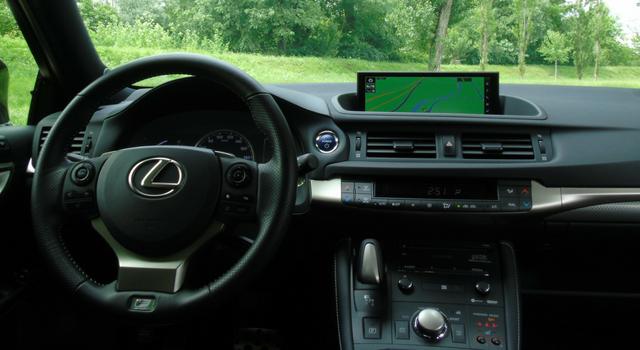 Nuova Lexus CT Hybrid interni