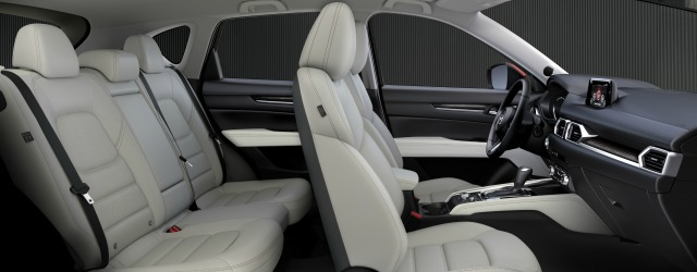 Nuova Mazda CX-5 2017 abitacolo