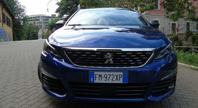 Nuova Peugeot 308 restyling