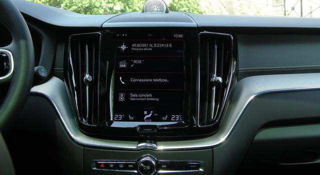 Nuova Volvo XC60 T8 Twin Engine infotainment