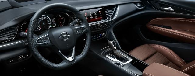 gli interni di Opel Insignia Country Tourer