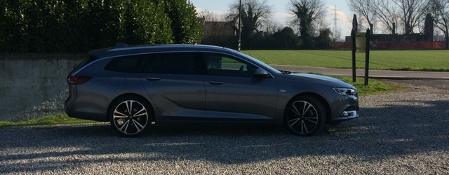 Opel Insignia Sports Tourer linee