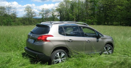Peugeot 2008, city crossover dal piglio off road