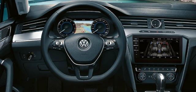 Prova Volkswagen Passat Variant interni