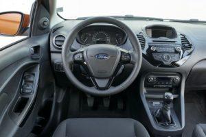 Prova nuova Ford Ka+ abitacolo