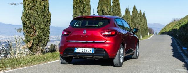 Prova nuova Renault Clio rossa