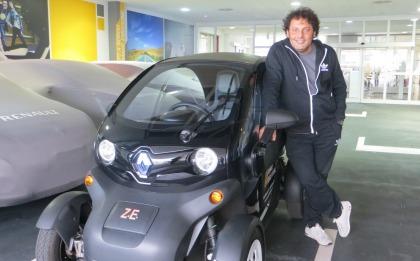 Renault Twizy e Enrico Brignano