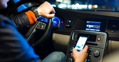 Smarphone alla guida, una pratica diffusa