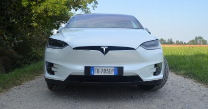 Tesla-Model-X-frontale