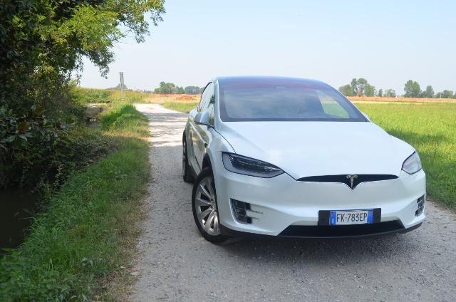 Tesla-Model-X-test-drive