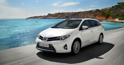 Auris Touring Sports, familiare ibrida