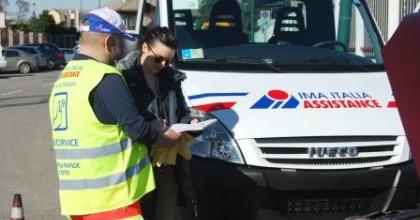 Un mezzo di IMA Italia Assistance