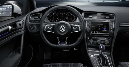 Volkswagen Golf GTE, interni dell'ibrida plug-in