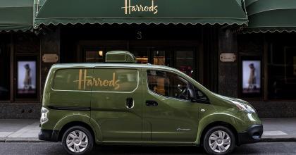 Accordo tra Nissan e Harrods sui veicoli commerciali elettrici