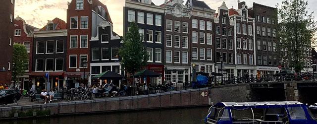 Le case storte di Amsterdam