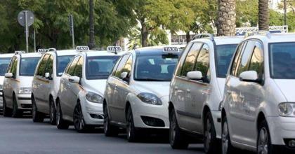 Taxi vs Uber, prosegue lo scontro
