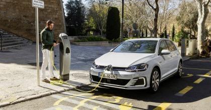 tra le ibride plug-in c'è la Nuova Volkswagen Golf GTE