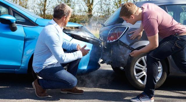 incidente auto noleggio