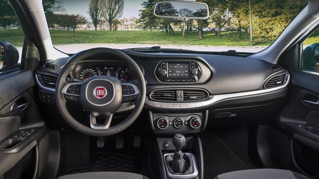 Gli interni di Fiat Tipo 4 porte
