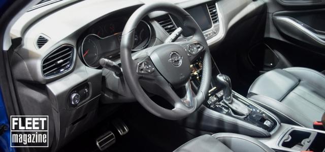 interni della Opel Grandland X al Salone di Francoforte 2017