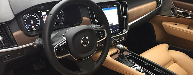 Schermo infotainment nuova Volvo V90