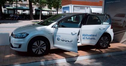 Tra le iniziative legate alla mobilità elettrica si colloca anche l'e-Roadshow di Volkswagen