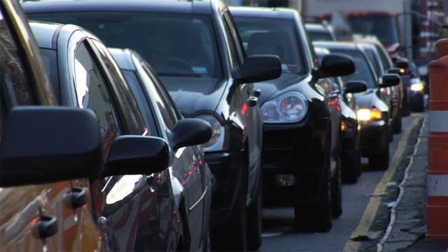 multa utilizzo clacson nel traffico