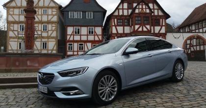 nuova Opel Insignia Grand Sport 2017 prova su strada