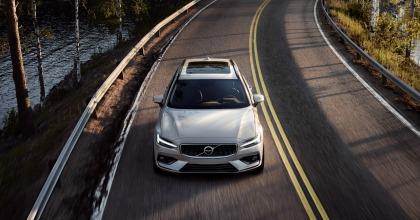 nuova Volvo V60 dinamica